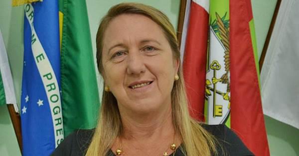Vereadora pede informações ao Executivo acerca da elaboração de Projeto para Atendimento móvel na saúde de Garuva