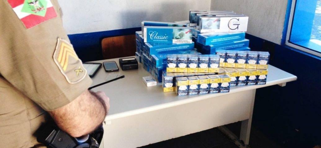 Polícia Militar apreende mais de 500 carteiras de cigarros contrabandeados em Garuva