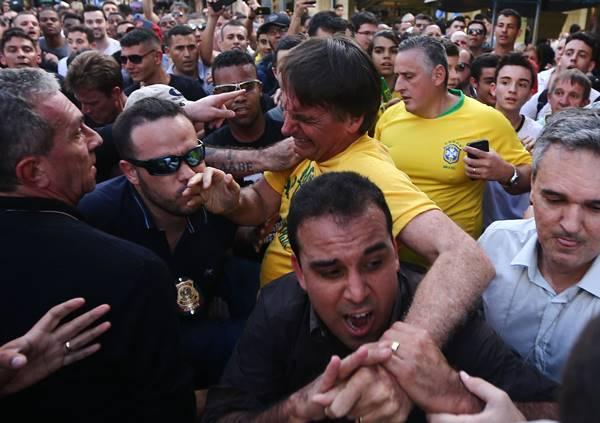 Candidato à Presidência Jair Bolsonaro é esfaqueado em Juiz de Fora