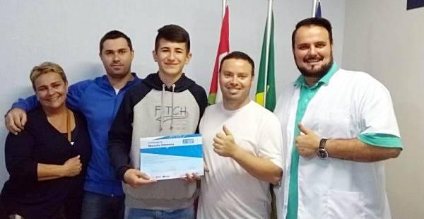 Estudante garuvense recebe menção honrosa por desempenho na 13ª Olimpíada Brasileira de Matemática das Escolas Públicas