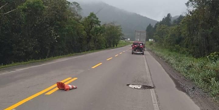 SC-417 ganha pintura de faixas, mas população pede por providências em relação aos buracos da rodovia