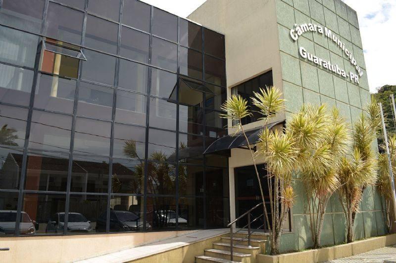 Após comprovação de nomeação irregular, MP ajuíza ação civil pública contra dois vereadores e uma ex-assessora da Câmara Municipal de Guaratuba