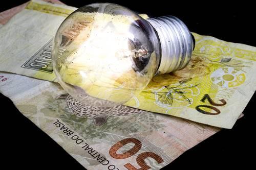 Decreto reduz subsídios da conta de luz