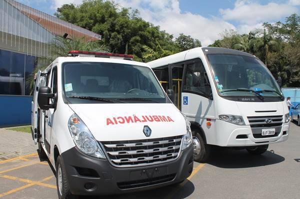 Saúde de Garuva recebe dois novos veículos