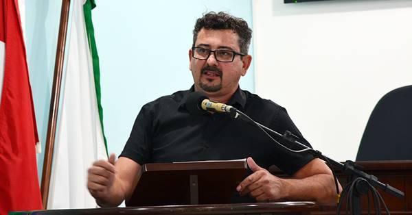 ÁUDIO: Oziel se diz chateado com o PMDB e faz duras críticas ao Prefeito de Garuva