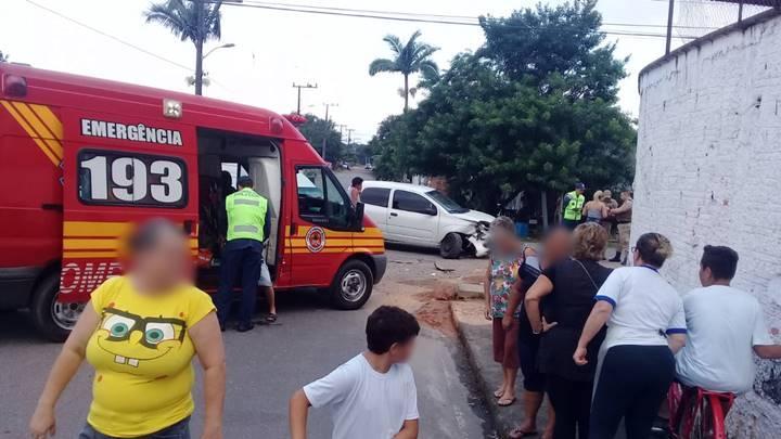 Acidente de trânsito é registrado no Bairro Geórgia Paula nesta sexta-feira (26)