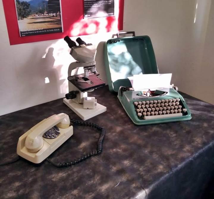 Objetos antigos são expostos em atividade escolar de Garuva