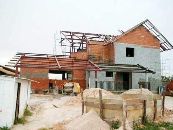 Ampliação ou construções sem o alvará de construção ou diferente do aprovado, pode ser regularizados junto à Prefeitura de Garuva