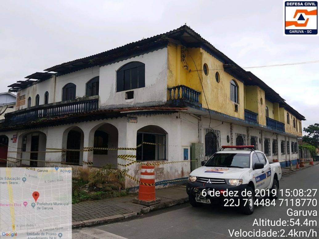 Defesa Civil interdita construção no centro de Garuva