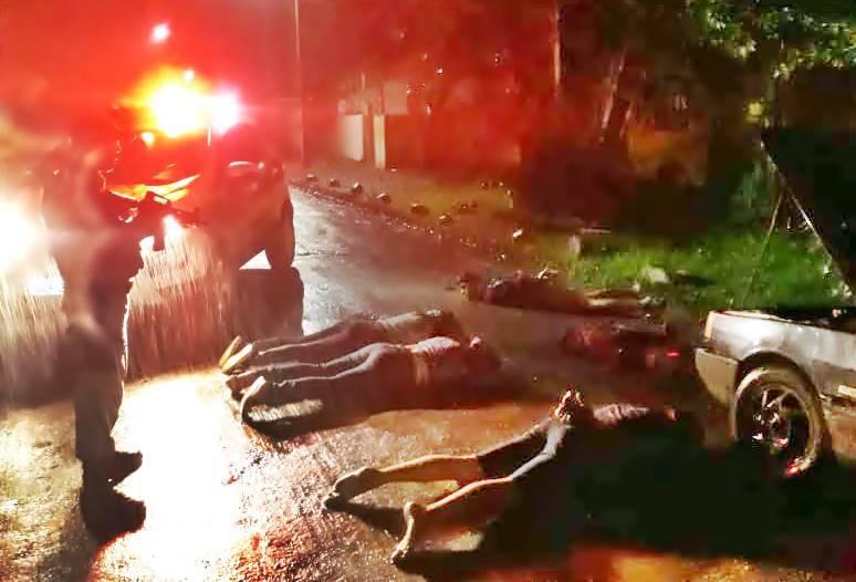 POLÍCIA MILITAR PRENDE QUADRILHA QUE ASSALTAVA CAMINHONEIROS NA REGIÃO DE GARUVA