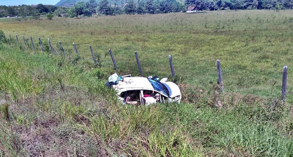 Acidente envolve dois caminhões e um carro na Rodovia do Contorno de Garuva nesta quinta-feira (26)