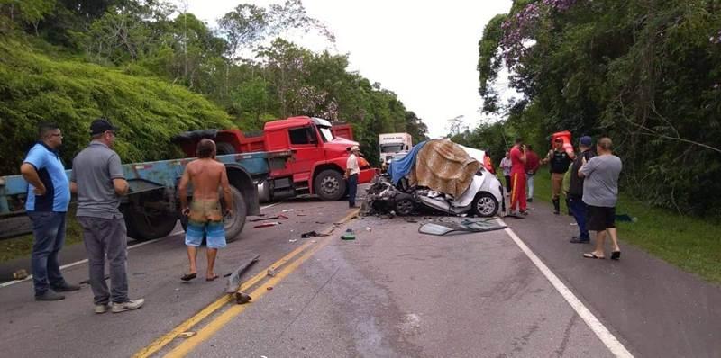 Grave acidente é registrado na PR-412 entre Garuva e Guaratuba na tarde desta segunda-feira (16)