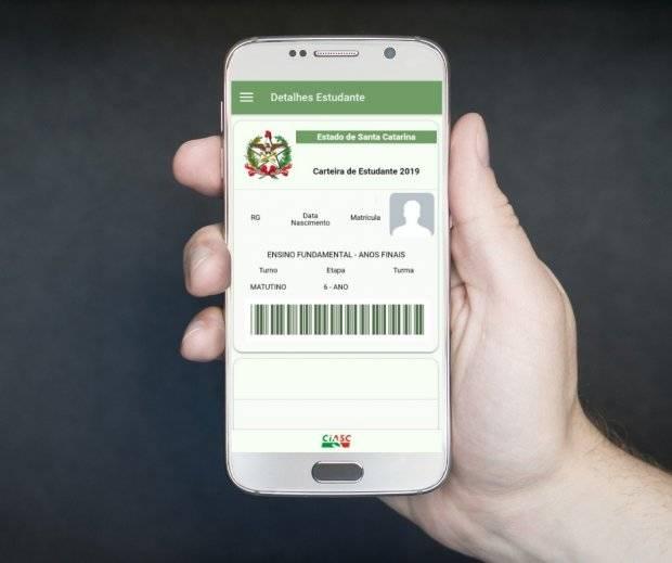 Governo de SC lança carteira do estudante online para facilitar meia-entrada e alimentação na escola