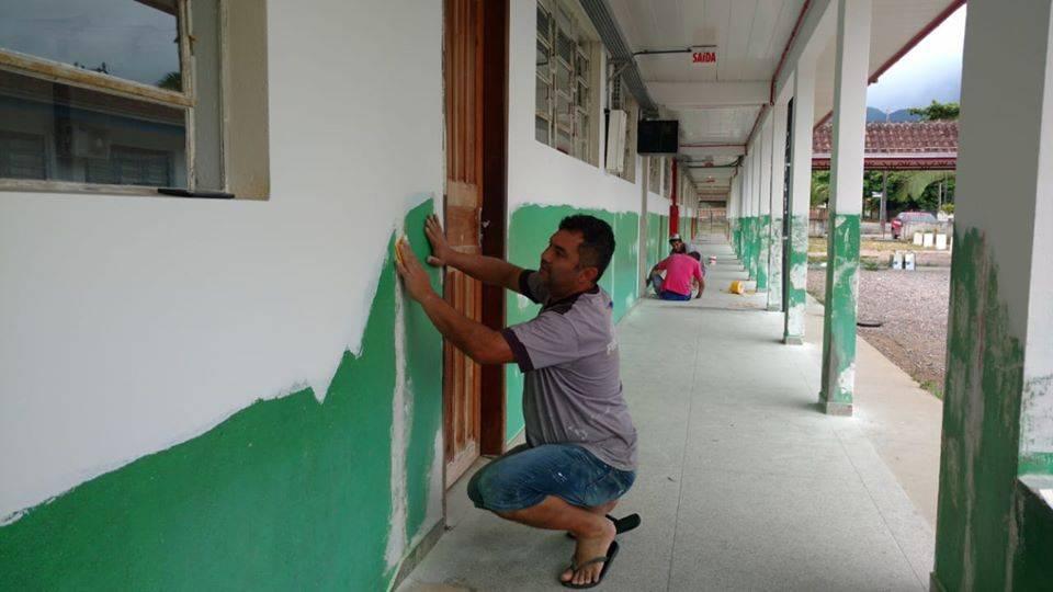 Escolas de Garuva passam por reformas para receber alunos para o Ano Letivo de 2020