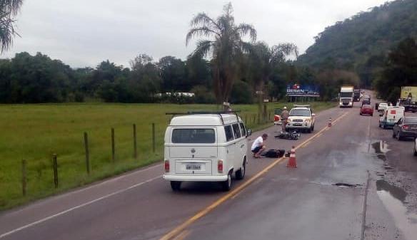 Bombeiros atendem acidente com motociclista na SC 417 em Garuva