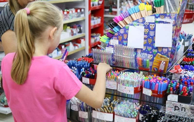 Pais e comerciantes já se preparam para as compras de Material Escolar