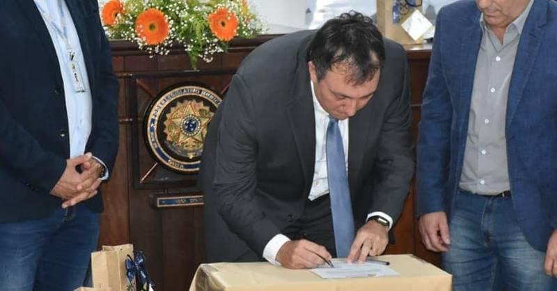 Prefeito de Garuva tomou posse como Presidente da AMUNESC na última quinta-feira (27)