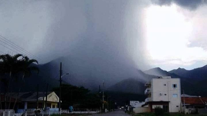 Defesa Civil de SC emite alerta para chuva intensa com risco de desastres em SC. Garuva está na área de atenção!