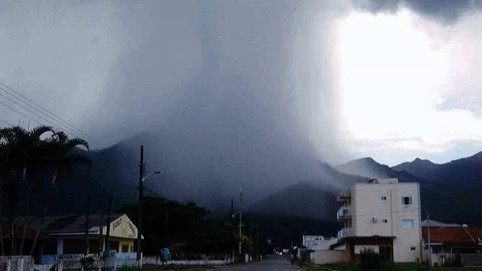 Defesa Civil emite alerta para este final de semana com acumulados acima de50mm para a região de Garuva