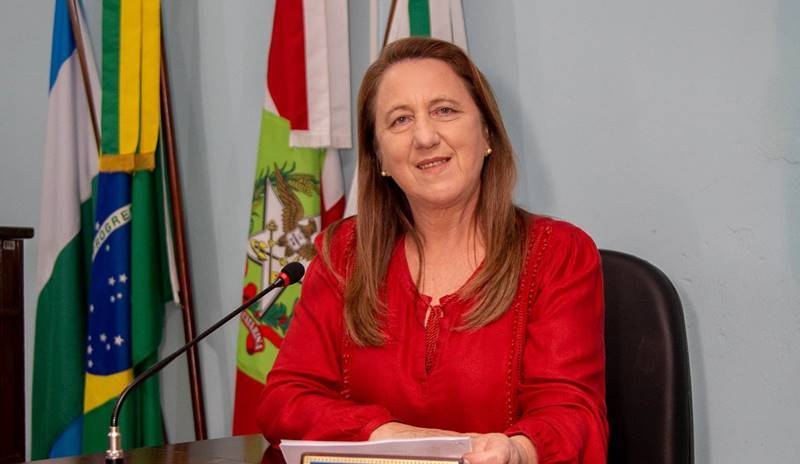 Marli Leandro (MDB) é eleita presidente da Câmara de Vereadores de Garuva